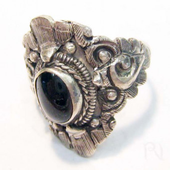 Rings Ri-01 ring with pattern