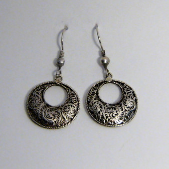 Dangling filigree round with hole 23 mm