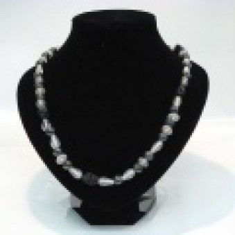 Glass strands glass strand black and white matt